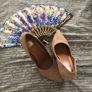 🎀Beige faux suede heels